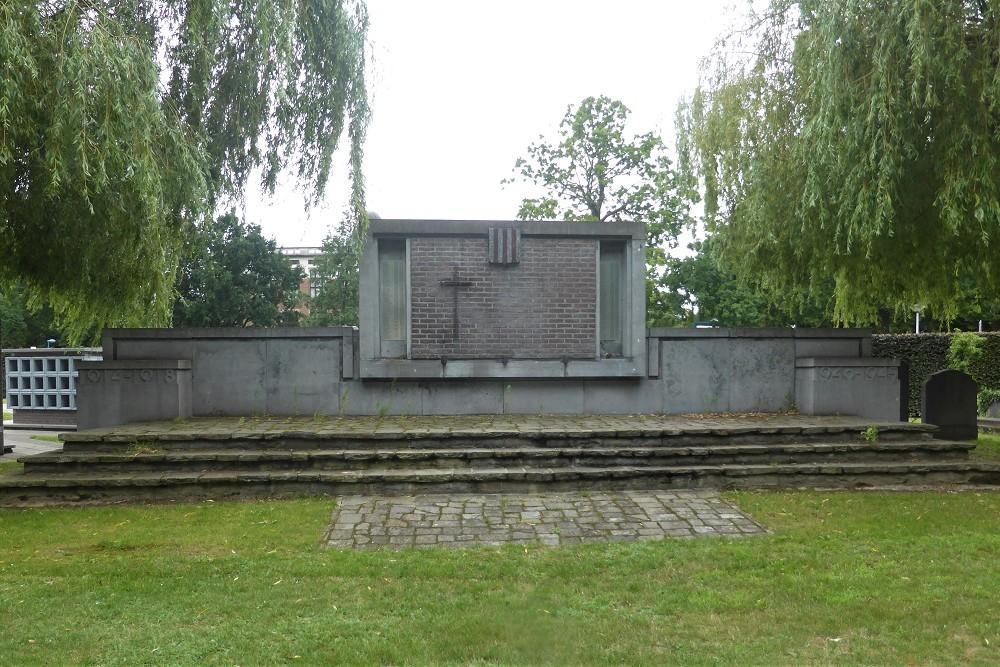 Oorlogsmonument Begraafplaats Berchem