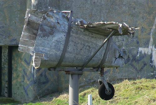 Monument Lockheed Hudson FK790
