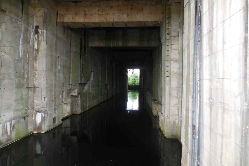 U-Boat Bunker Valentin - Rekum - TracesOfWar.com
