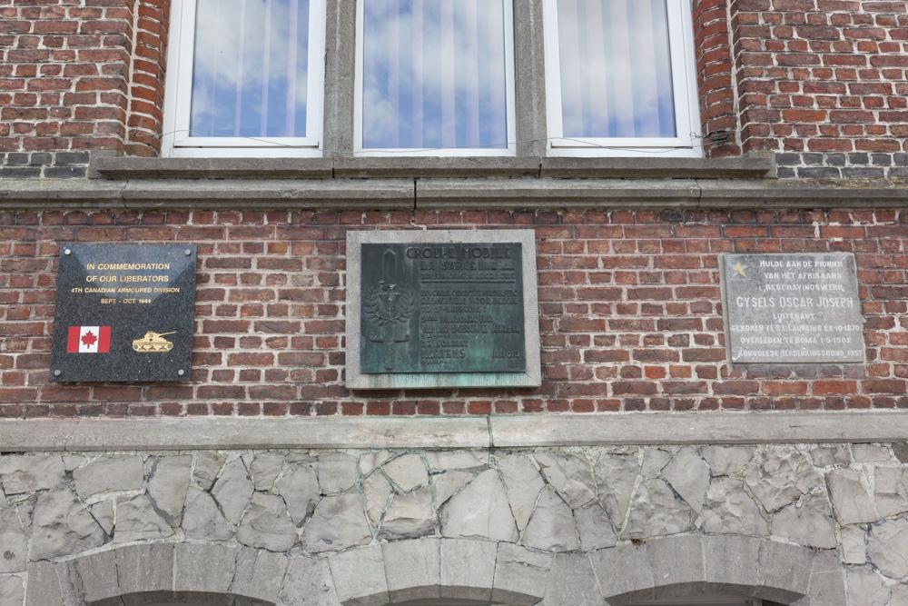 Plaquettes Gemeentehuis Sint-Laureins