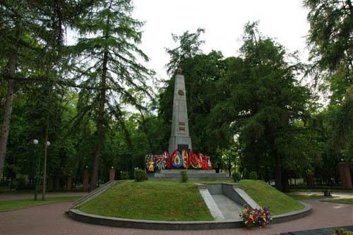 Massagraf Sovjetsoldaten Brest