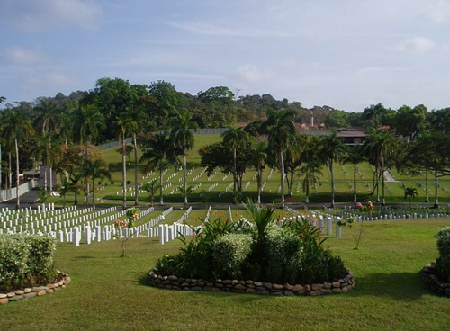 Commonwealth War Graves Corozal American Military Cemetery