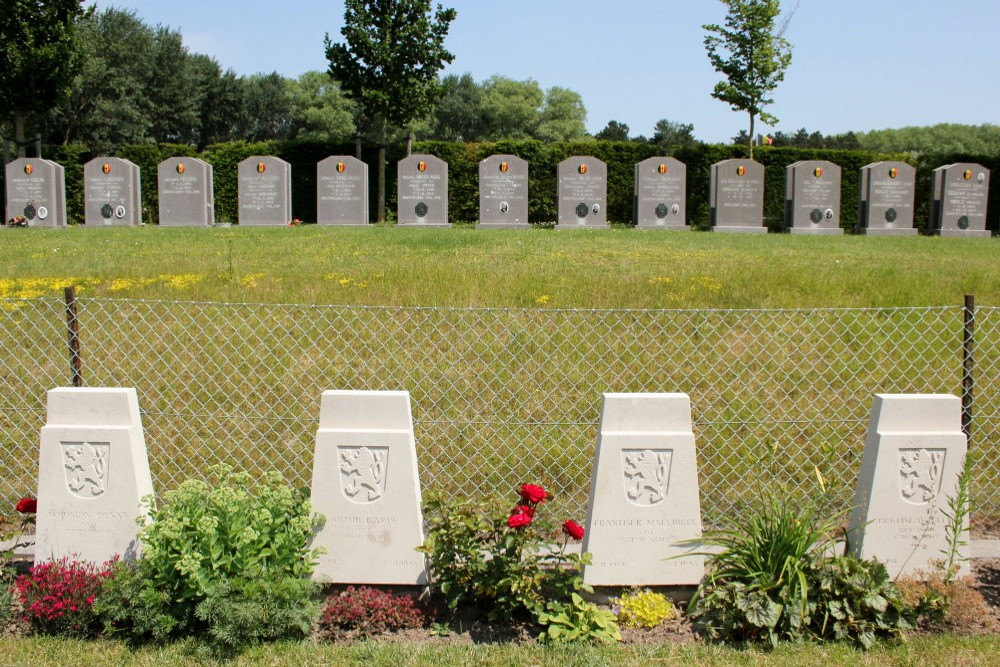 Czech War Graves De Panne