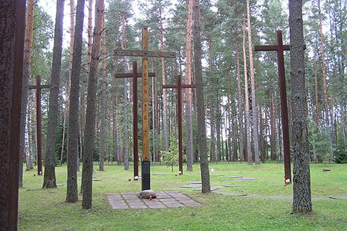 Poolse Oorlogsbegraafplaats Mednoye