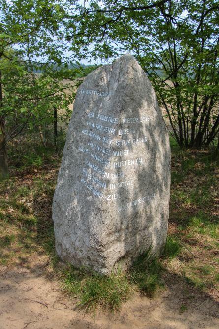 Monument De Achttien Dooden Kamp Westerbork Hooghalen