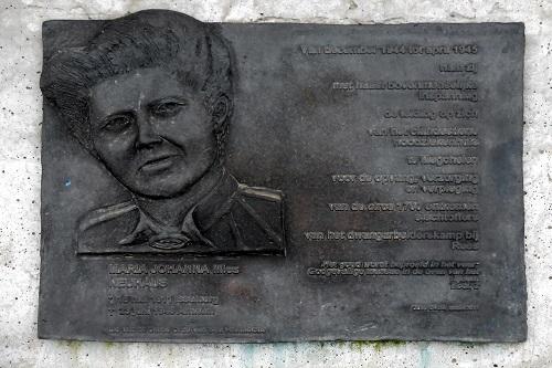 Nederlandse Oorlogsgraven RK Kerkhof Megchelen