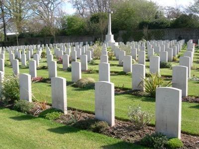 Commonwealth War Graves Harrogate Stonefall