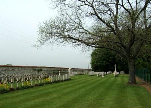 Frans-Britse Oorlogsbegraafplaats Perreuse Château