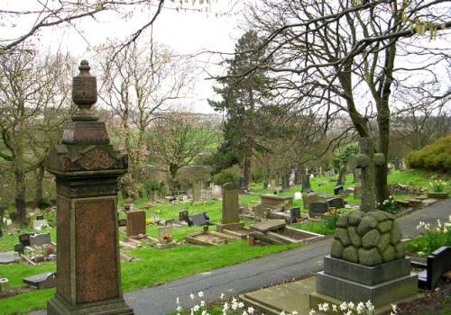 Commonwealth War Graves Farnley Cemetery