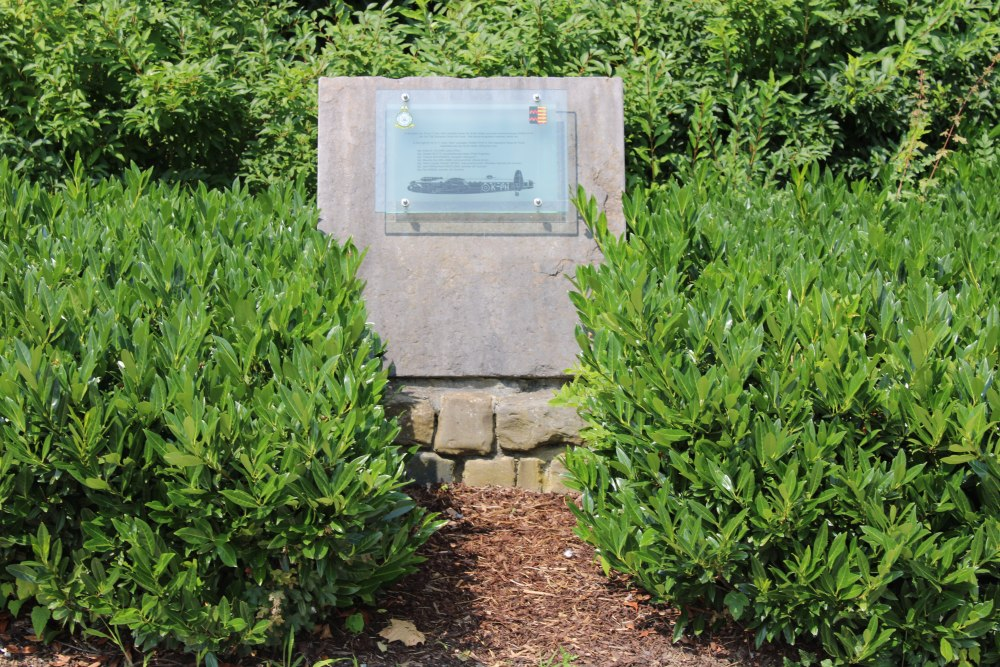 Monument Lancaster ED629