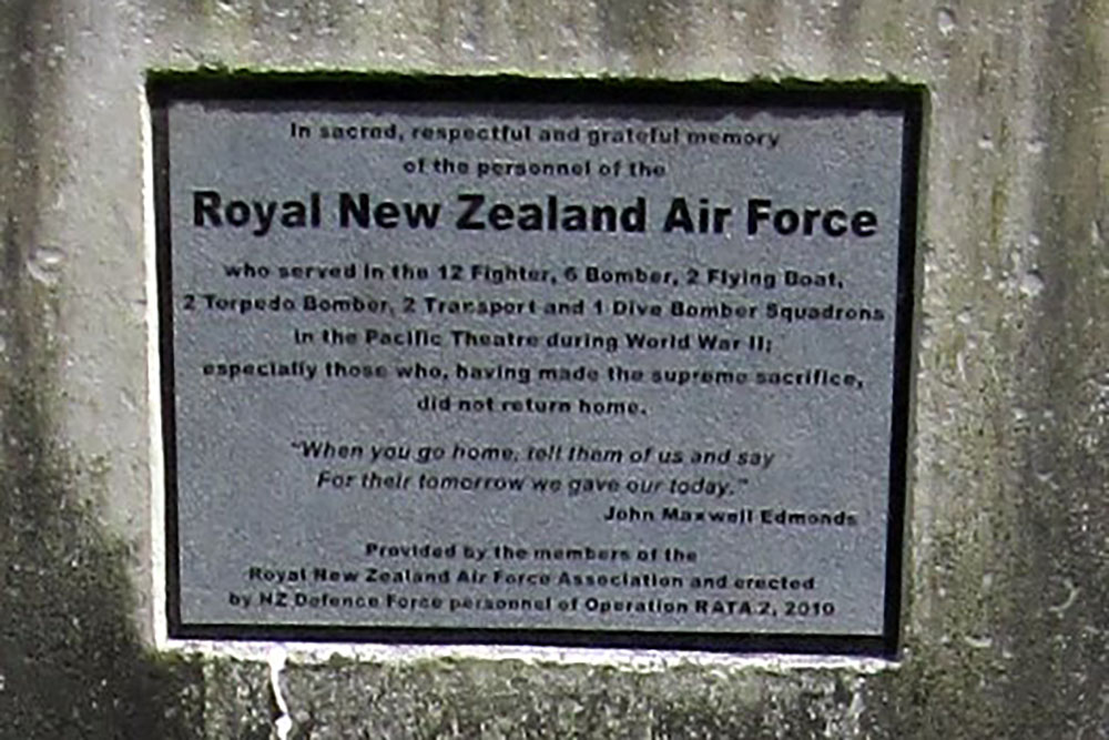 Monument Royal New Zealand Air Force Vilu