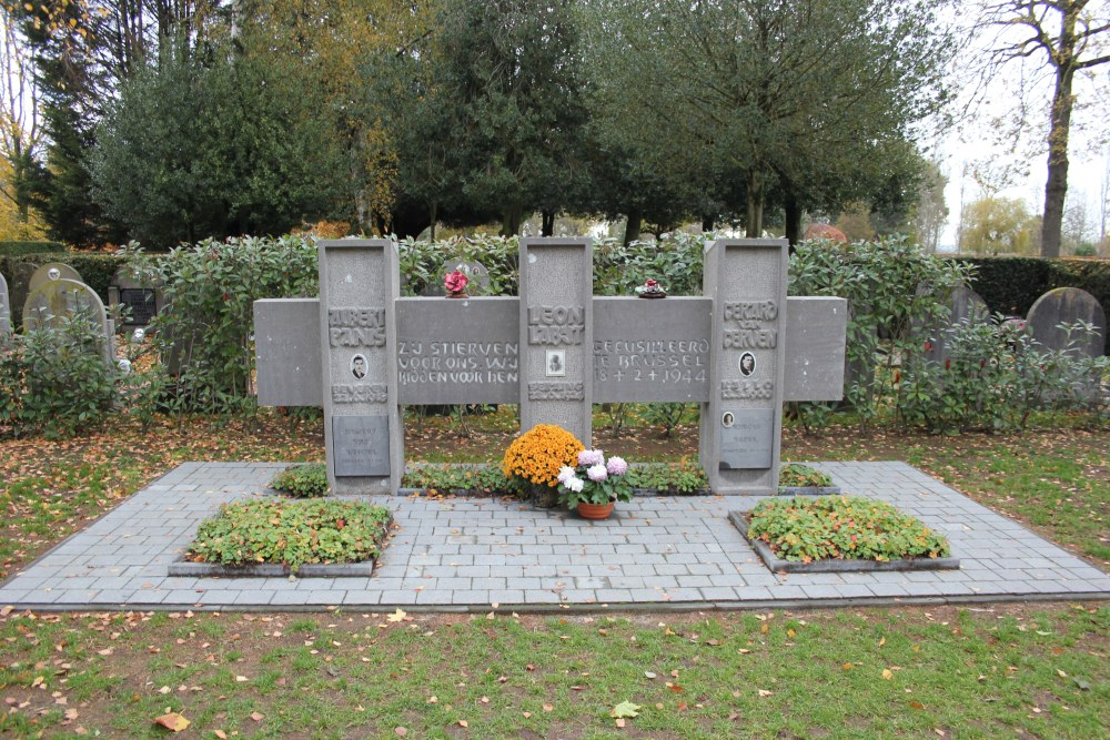 Grave Tomb Executed Resistance Fighters Beveren