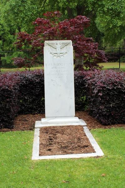 Grave of General Mark W. Clark
