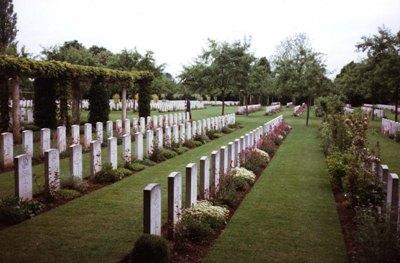 Commonwealth War Cemetery Banneville-la-Campagne