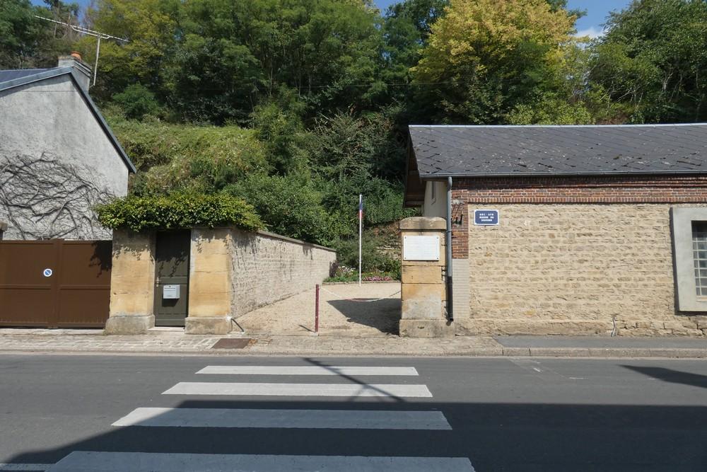 The cave De Gaulier