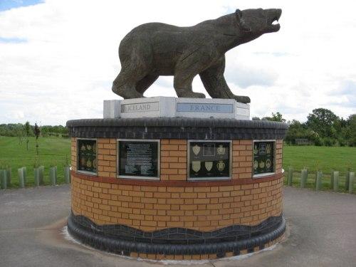 Monument Polar Bears
