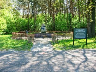 Monument Kamp Molengoot