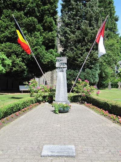 Monument Burgerslachtoffers Houffalize