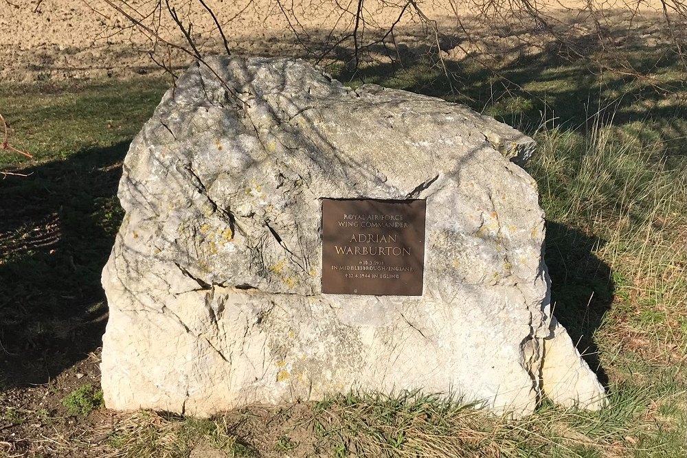 Memorial Adrian Warburton
