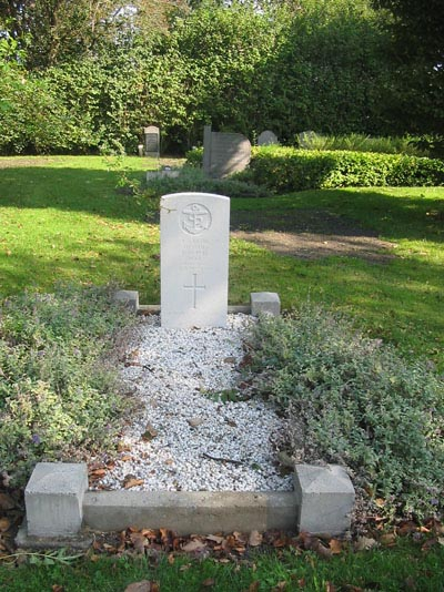 Commonwealth War Grave Oostkapelle