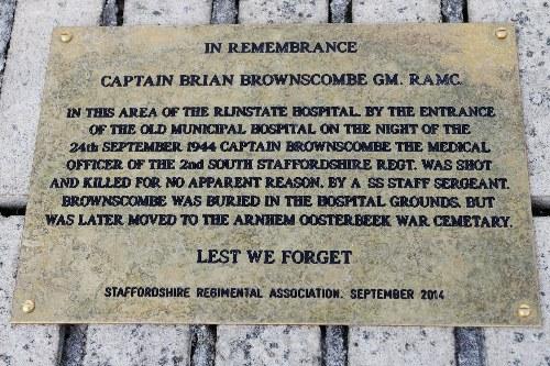 Plaquette kapitein Brian Brownscombe GM. RAMC.