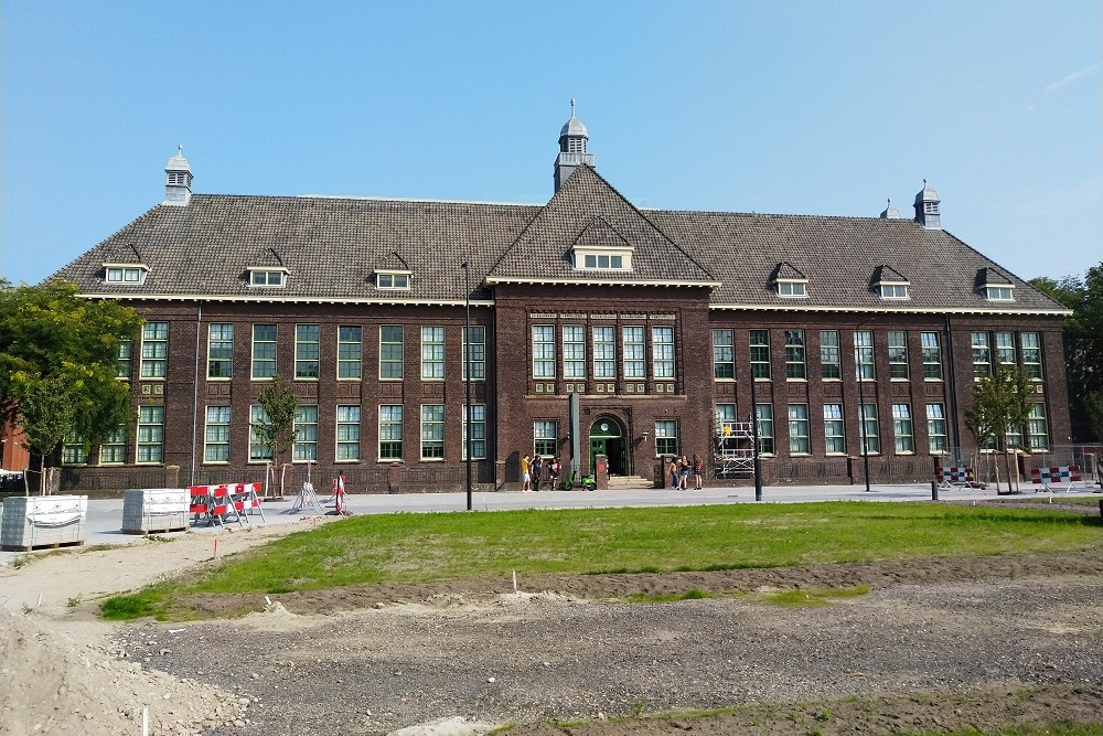Former Higher Textile School De Maere, Enschede