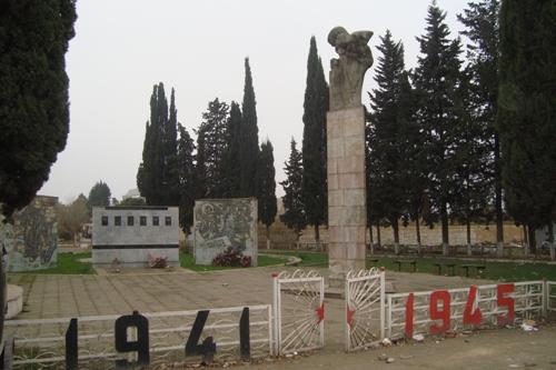Oorlogsmonument Ashaghi