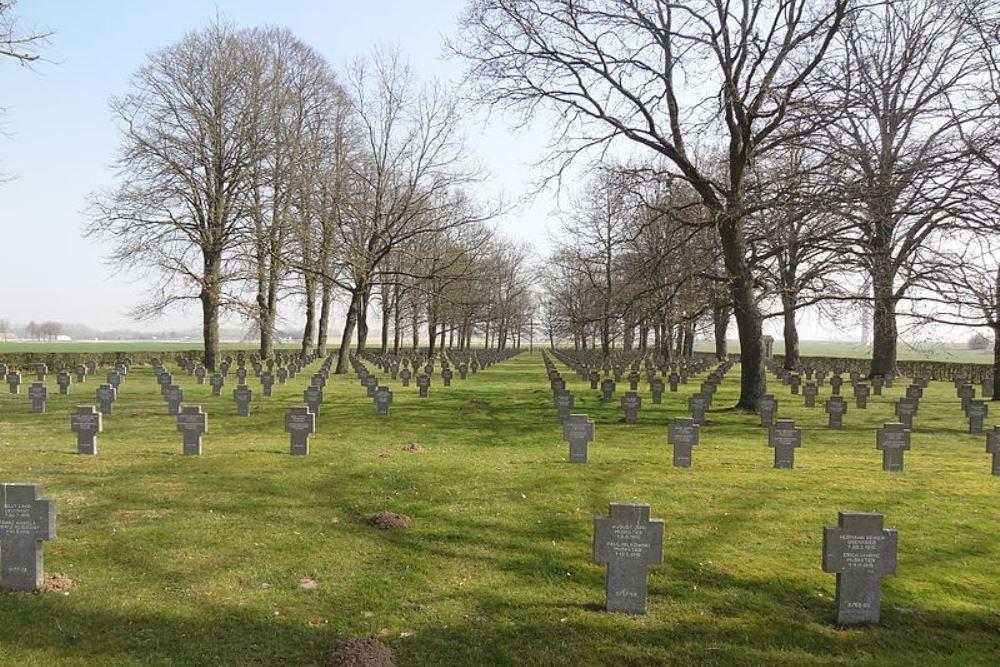 Duitse Oorlogsbegraafplaats Roye