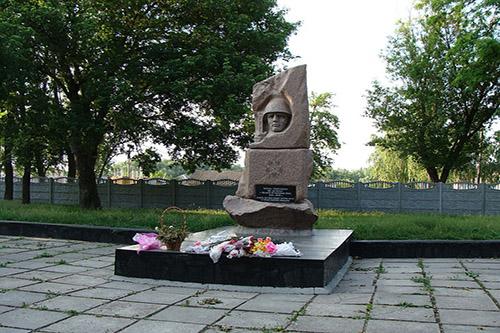 Sovjet Oorlogsbegraafplaats Pryluky