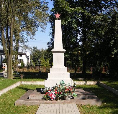 Mass Grave Soviet Soldiers Brzeziny 1945