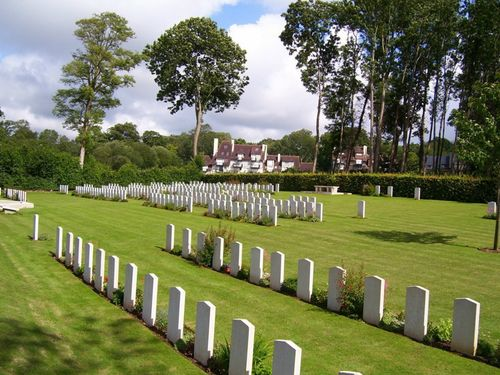 Commonwealth War Cemetery Tourgéville