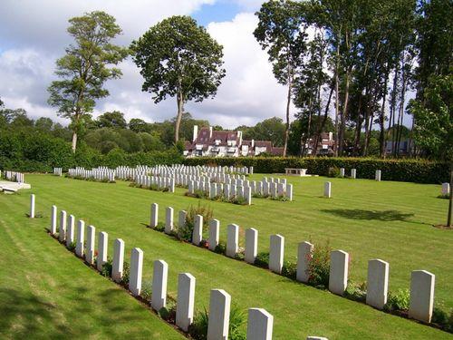 Oorlogsbegraafplaats van het Gemenebest Tourgéville