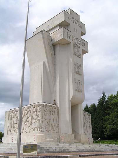 Franse Oorlogsbegraafplaats Chasseneuil