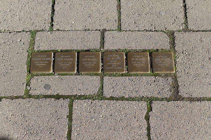 Stumbling Stones Große Bergstraße 1