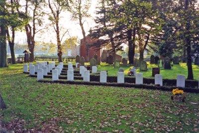 Commonwealth War Graves St Nicholas Churchyard