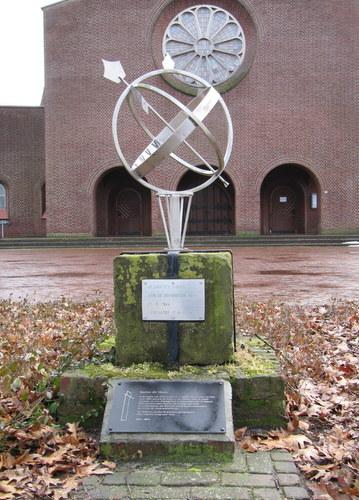 Monument Verwoeste Kerk Melderslo
