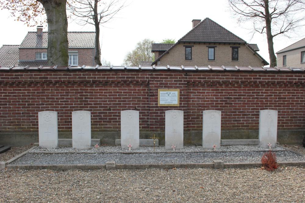 Oorlogsgraven van het Gemenebest Gemeentelijke Begraafplaats As