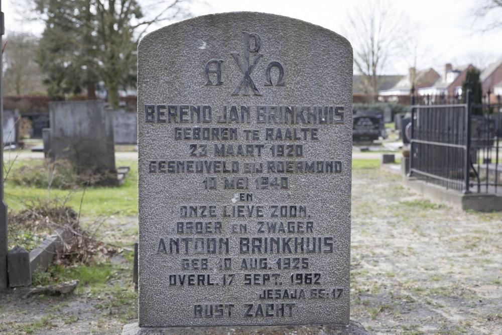 Dutch War Graves General Cemetery Raalte