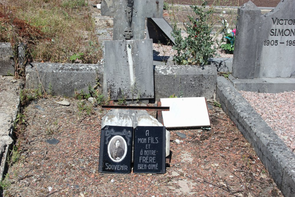 Belgium War Graves Neufchâteau