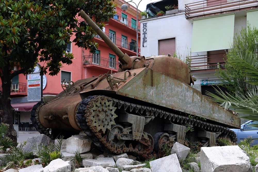 Memorial Battle of Monte Cassino (Sherman M4 Tank)