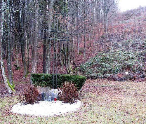 Mass Grave Slovene Fascists & German Prisoners of War Kucji dolini