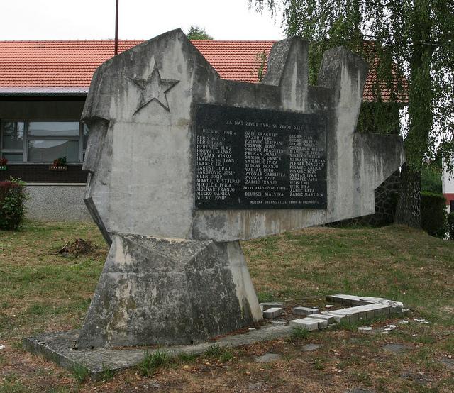 Monument Omgekomen Partizanen Budinščina