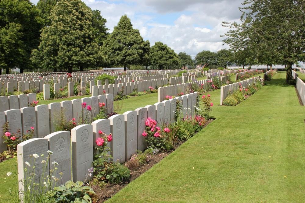 Commonwealth War Cemetery Lijssenthoek