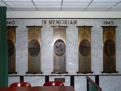 01-03: Op 28 februari 1943 werden er 24 Nederlandse voetballers vermoord