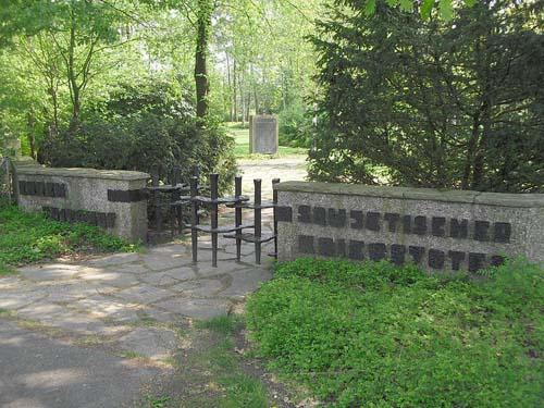 Kampbegraafplaats Stukenbrock