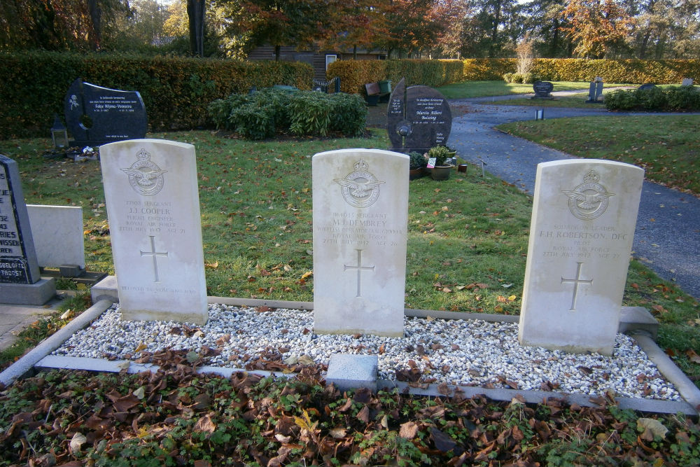 Commonwealth War Graves Protestant Cemetery Opeinde