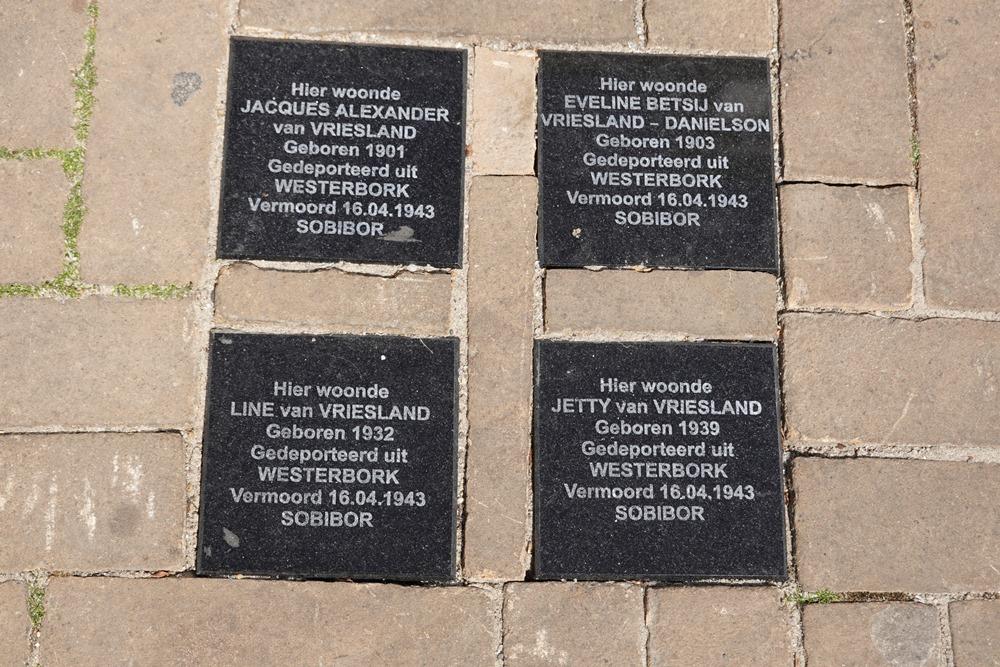 Remembrance Stones Achter de Kerk 5
