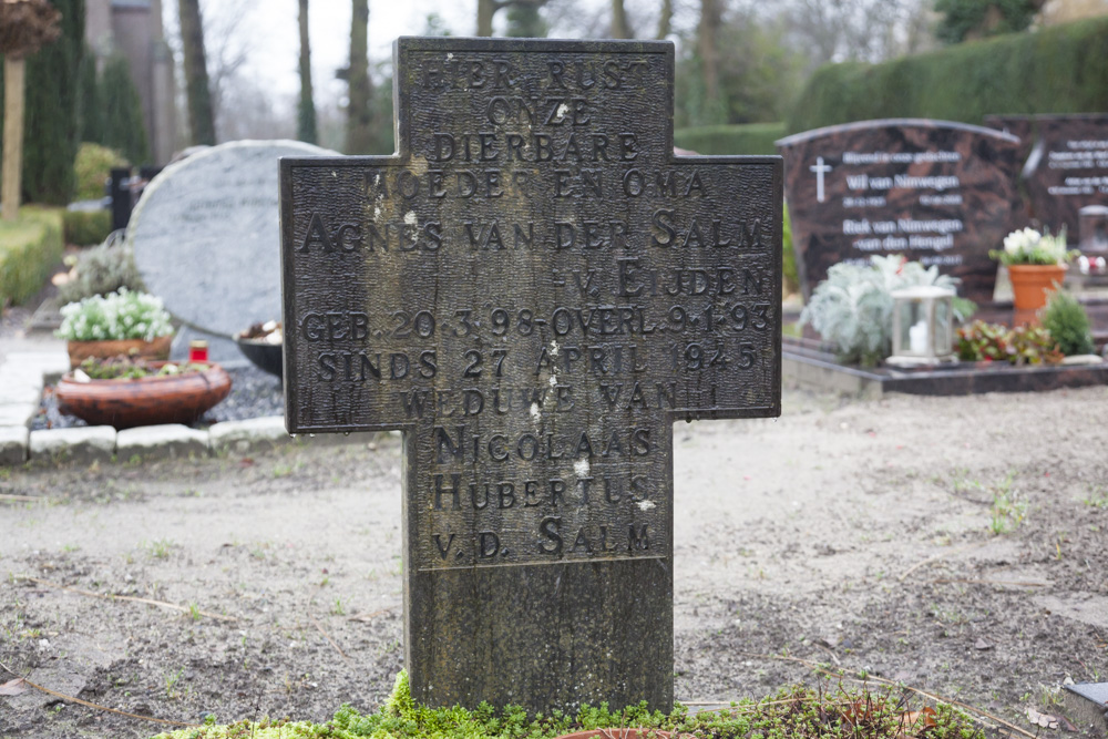 Dutch War Grave Roman Catholic Cemetery St. Joseph Leusden
