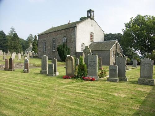 Commonwealth War Graves Muckhart Parish Churchyard