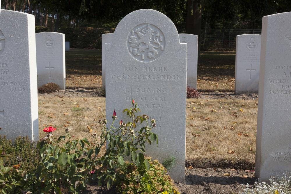 Dutch War Grave Commonwealth War Cemetery Rheinberg